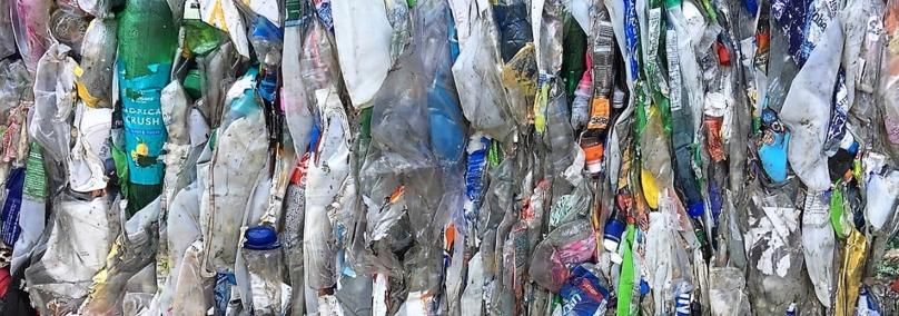 Compactación de plástico residual