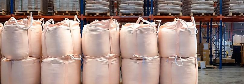 Compactación de sacos de rafia